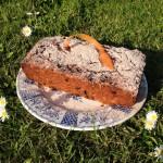 Just Mix and Bake Vegan Carrot Cake !