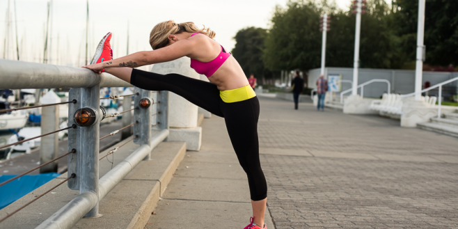 8 amazing ways that yoga can make you a better runner.